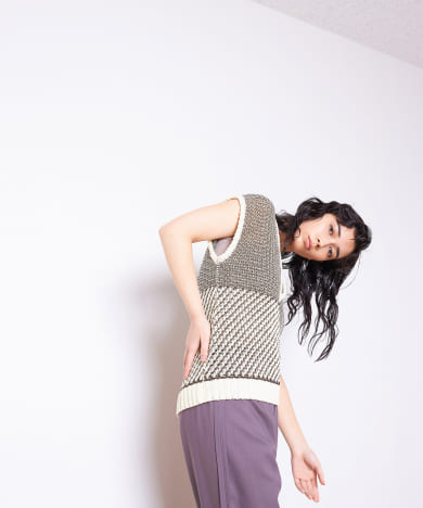 KEE-NECK PATTERN KNIT