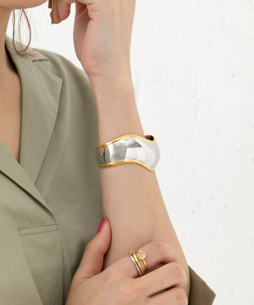 [ROSSO][JAMIRAY WAVY SILVER BANGLE]